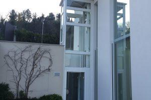 EW Next Electric Lift In A Modern Villa On Lake Ledro